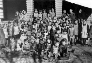 Kindergarten Kapitelstraße Gruppenfoto um 1930